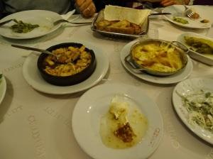 Güzelyurt Restaurant'ın güzel mezeleri