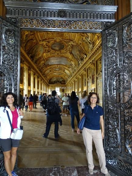 Louvre Müzesi'nin İçinde Bir Koridor