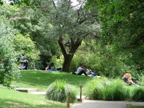 Müzenin bahçesi