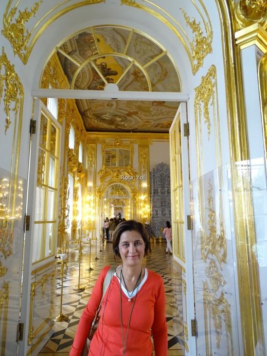 Altın varaklı kapılar