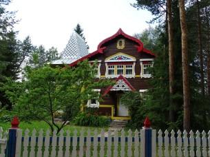 Mandrogi'nin sevimli evleri