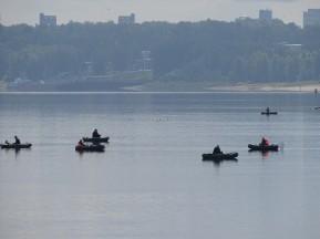 Volga Nehri'nde balıkçılar
