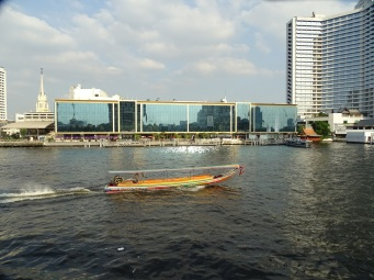 CHAO PHRAYA NEHRİ'NDEN BANGKOK'A